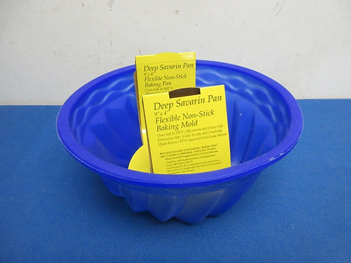 Blue silicone bundt cake baking pan