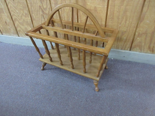 Maple colonial style double sided magazine rack