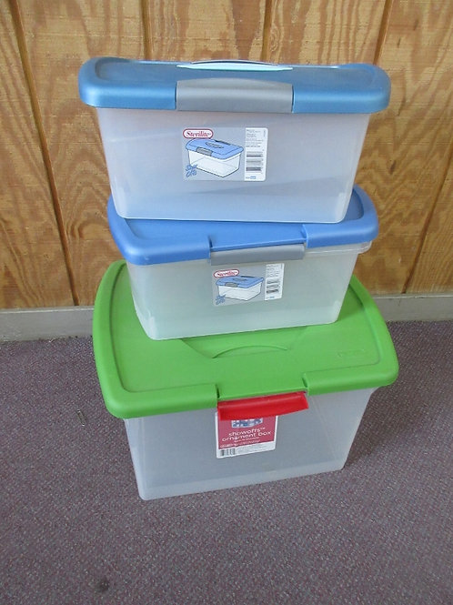 Set of 3 Sterilite containers with snap lock tops