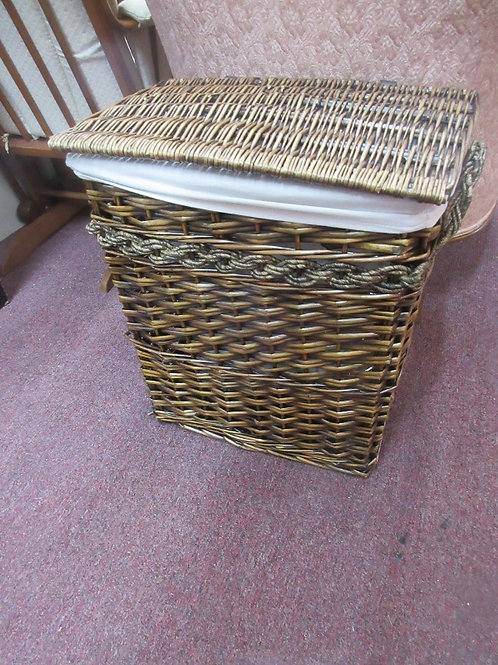 Medium size woven laundry hamper with linen liner