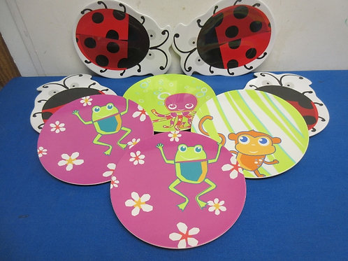 Set of 8 melamine children's plates, lady bug, and animals designs