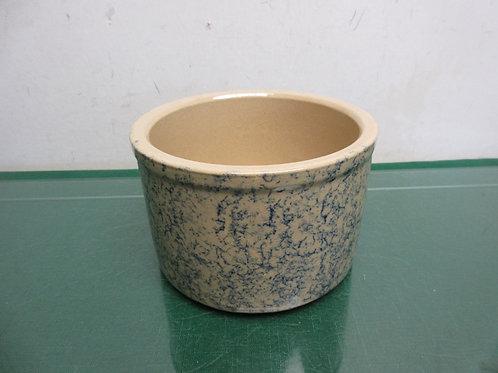 """Roseville USA 700-A deep bowl, 6""""dia x 4""""high"""