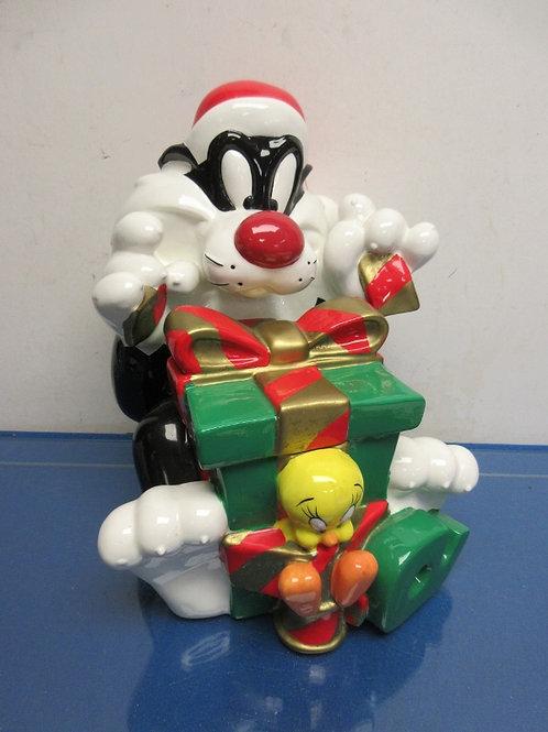 Warner Bros Sylvester and tweety ceramic holiday cookie jar