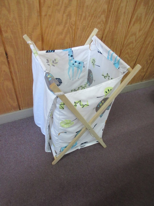 Small animal design white foldable hamper with net bag