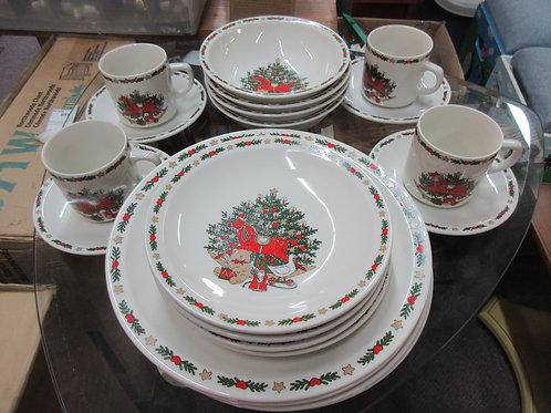 O'Christmas Tree 20 pc dinnerware set,  service for 4