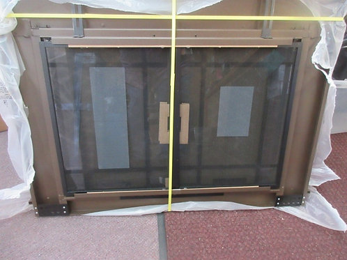 Fireplace doors and screen - outer measurement - 28x40 - brand new