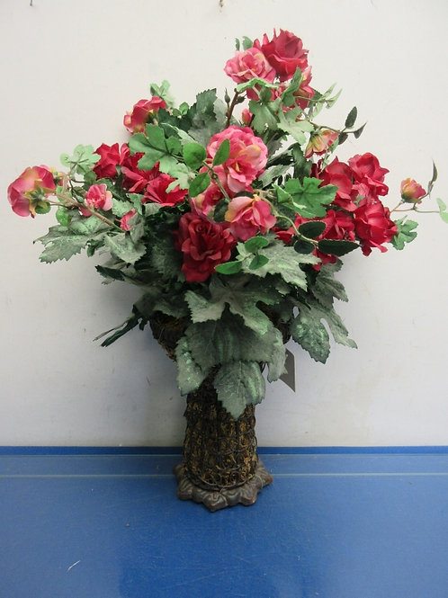 Metal wire style vase with artifical roses