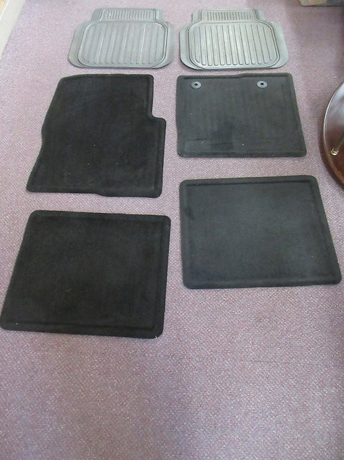 Set of 6 auto floor mats - 4 black carpet w/rubber back and 2 extra black rubber