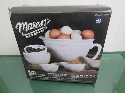 Mason Craft & More - 5 pc batter bowl & measuring cup set - new in box