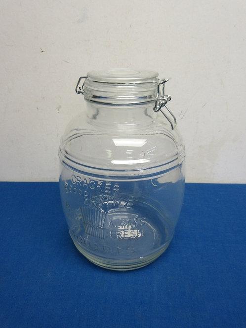 Cracker Barrel 4 qt. jar with locking lid