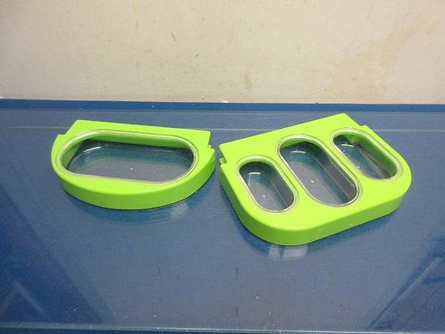 Weight Watcher measuring cups=lime green, flat