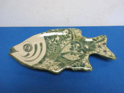 Green & beige ceramic fish platter 8x14'long