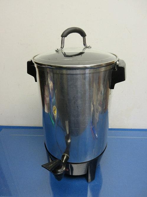 Coffee urn, 30 cup capacity