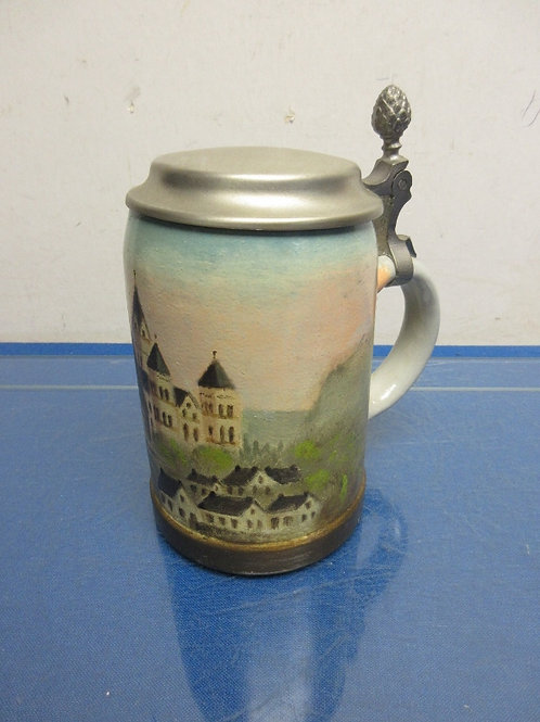 """Original King beer stein with lid, 6"""" tall"""