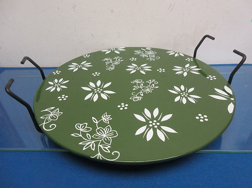 Temptations green floral lace pizza stone w/metal trivet