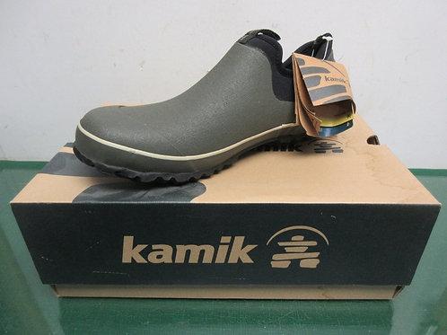 Brand New Kamik waterproof green shoes, size 9