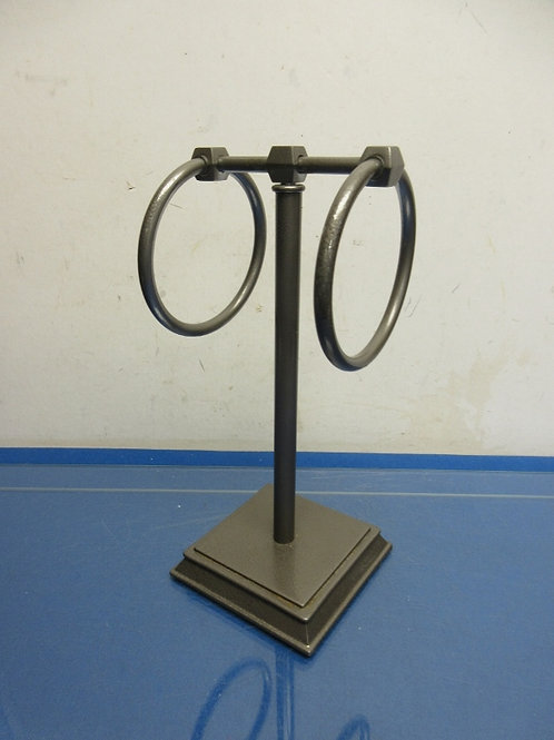 Heavy metal counter top dual towel holder