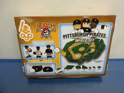 Pittsburgh Pirates infield play set