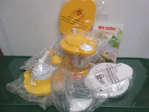 Genius 10 pc 6 cup mix, slice and chop - yellow - brand new