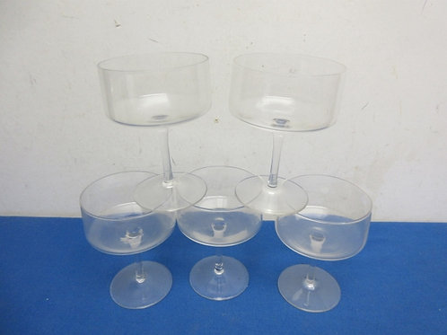 Set of 5 stemmed  dessert glasses