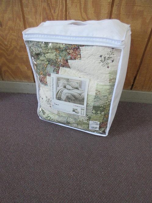 JCP Home heirloom bedspread - cassandra king bedspread - floral quilt - brand ne