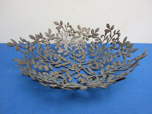 Metal flower and leaf design open pattern fruit bowl