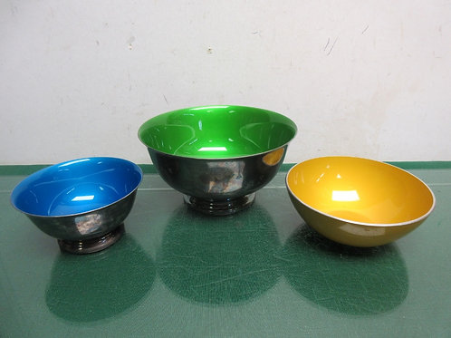 Set of 3 metal bowls with colored interiors, assorted colors
