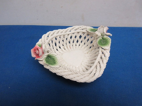 Ceraic woven rope design small bowl with dimensional rose accents