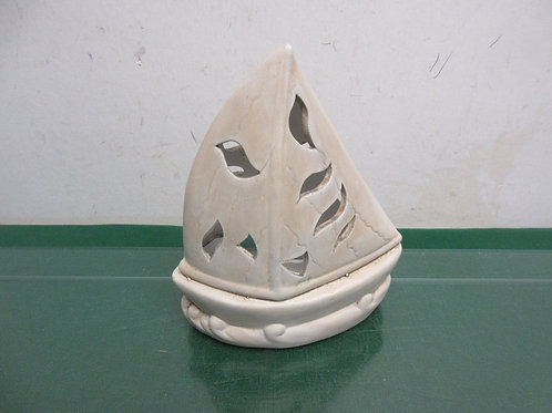 Contintenal sailboat design tea light candle holder