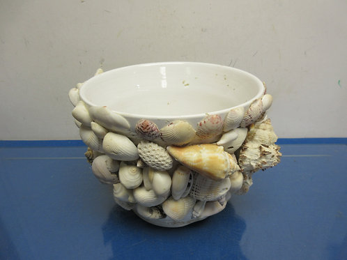 "White round ceramic planter with sea shells on outside, 8"" dia x 7"" tall"