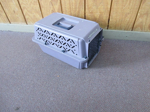 """Small size purple kennel cab cat or small dog carrier 10x15x11""""high"""