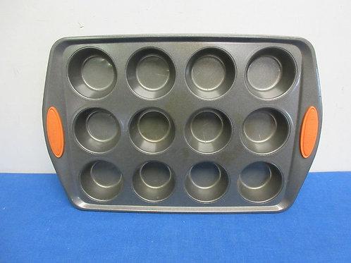Rachel Ray Bakeware-12 cupcake pan
