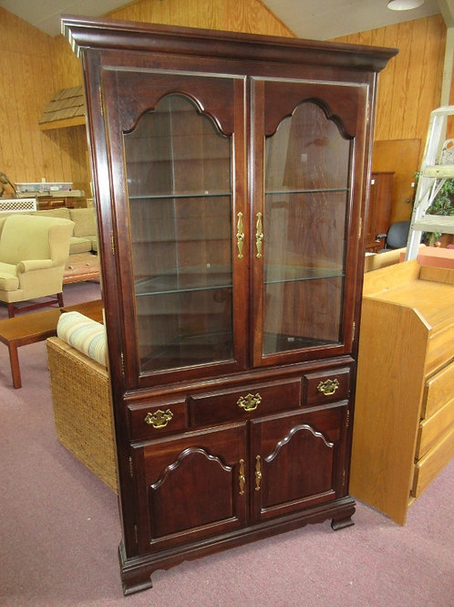 Kincade cherry amish corner cabinet w/drawer, 2 doors & 2 glass shelves - 31x31x