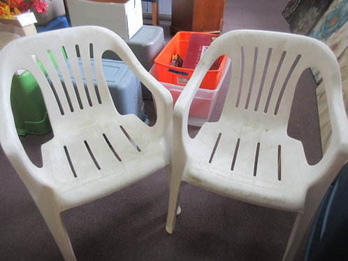 Pair of resin patio chairs, need cleaned