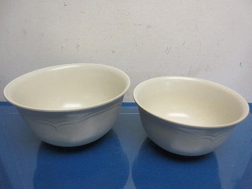 Pfaltzgraff Heirloom set of 2 nesting mixing bowls