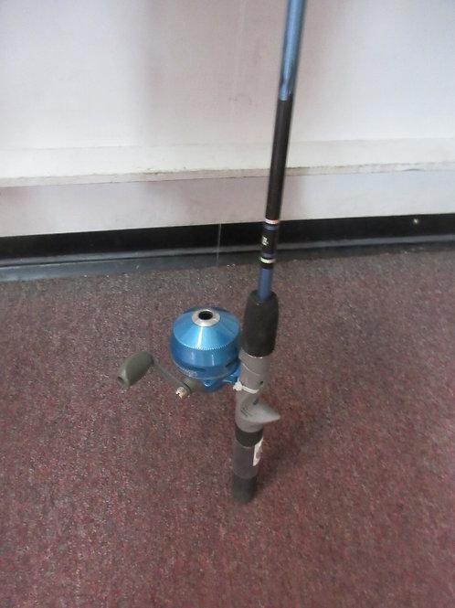 Zebco sling shot spin cast rod&reel