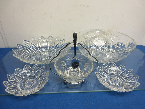 Glass serving bowls, 2 large and 3 small bowls