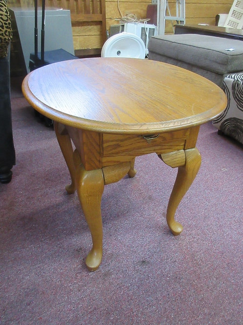 """Oak oval end table with drawer 23x27x23"""""""