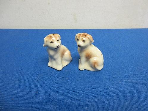 Dog salt & pepper shakers