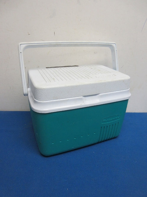 Rubbermaid aqua and white lunch cooler