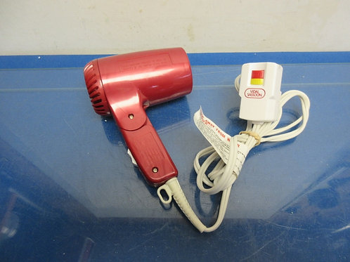 Vidal Sassoon 1600 fold up red hair dryer