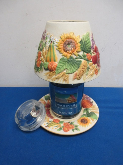 """Yankeee candle blue jar candle """"ocean sky"""" and yankee candle ceramic shade and p"""