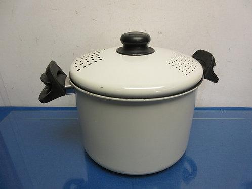 White enamel coated stock pot with draining lid