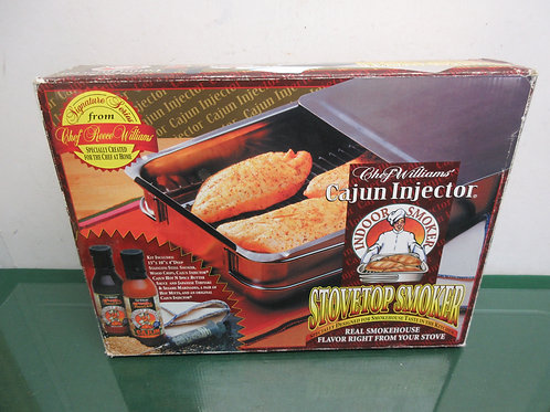 Chef Williams indoor stove top smoker-wood chips/injector/sauces/new/never used