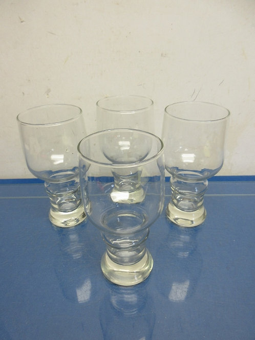 Set of 4 footed beer glasses