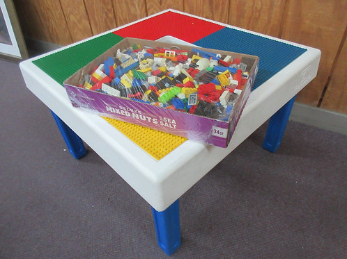 Lego play table with box of over 750 vintage Lego blocks