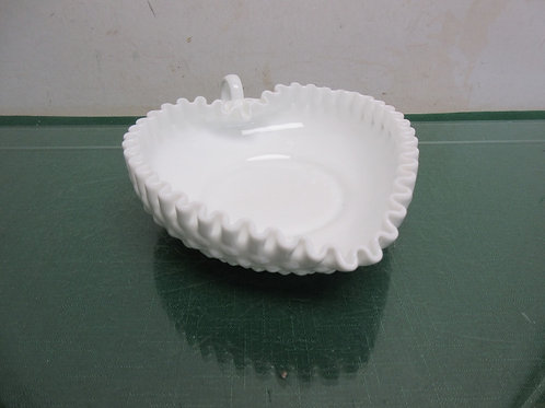 Fenton white milk glass heart shaped glass bowl with scallopped edge 6.5x7.5