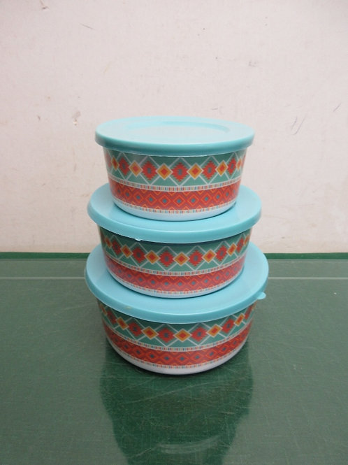 Set of 3 small plastic bowls with lids