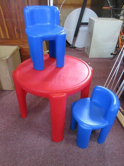 Little tikes red table w/2 blue chairs