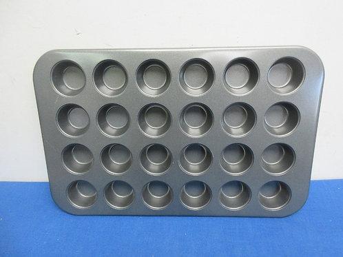 Rachel Ray Bakeware-24 mini cupcake  pan